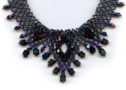 Triple 'V' Jewel Necklace - detail 1