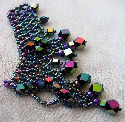Triple 'V' Jewel Necklace - detail 2