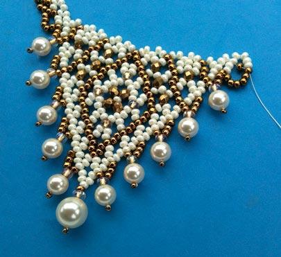 Pearl Drop Crystal 'V' Necklace: Interlocked Band & Strung Pearls – 2 patterns -Strung Pearls detail